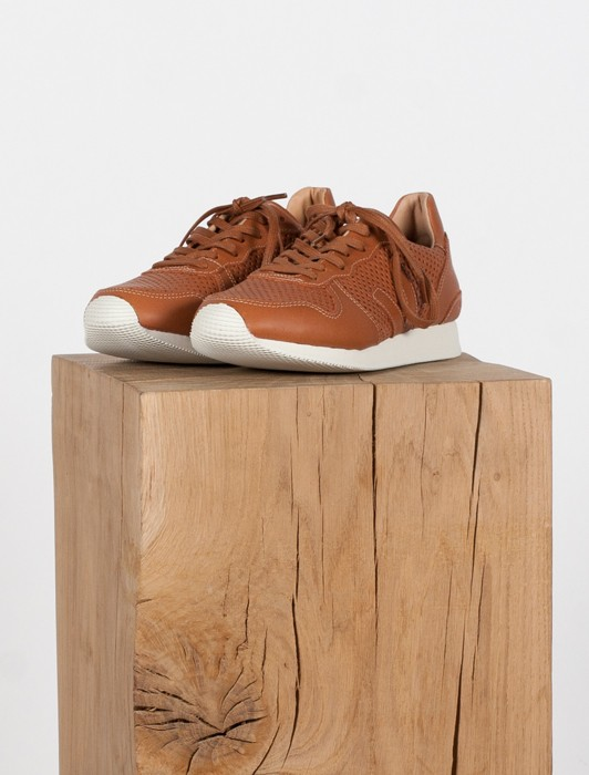 HOLIDAY LOW TOP LEATHER MAT PERF TUILE