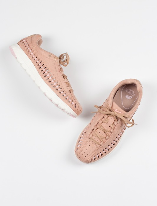WMNS MAYFLY WOVEN