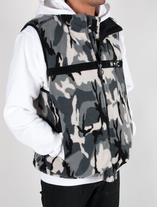 TRIBUTE REVERSIBLE MULTI POCKET VEST BLACK CAMO FLEECE